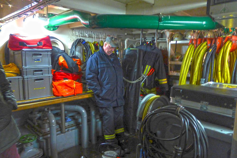 Feuerlöschboot - Technikräume im Boot unten - 5