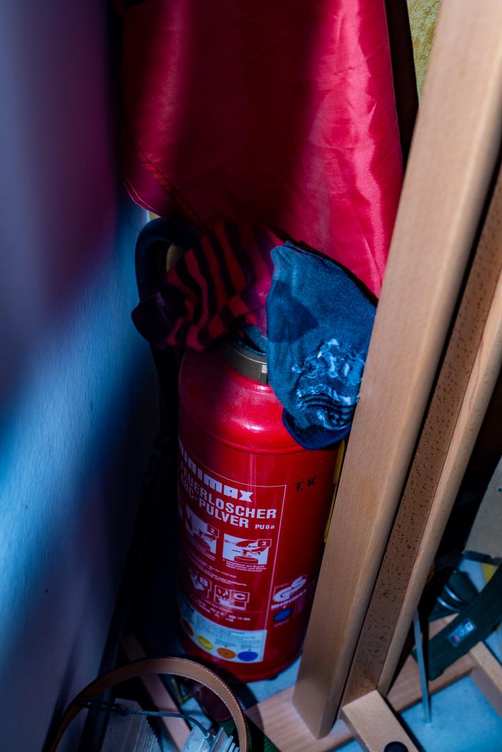 Feuerlöscher mit Sockendeko