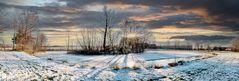 Feuerlöschteich am Winterabend Panorama 180°