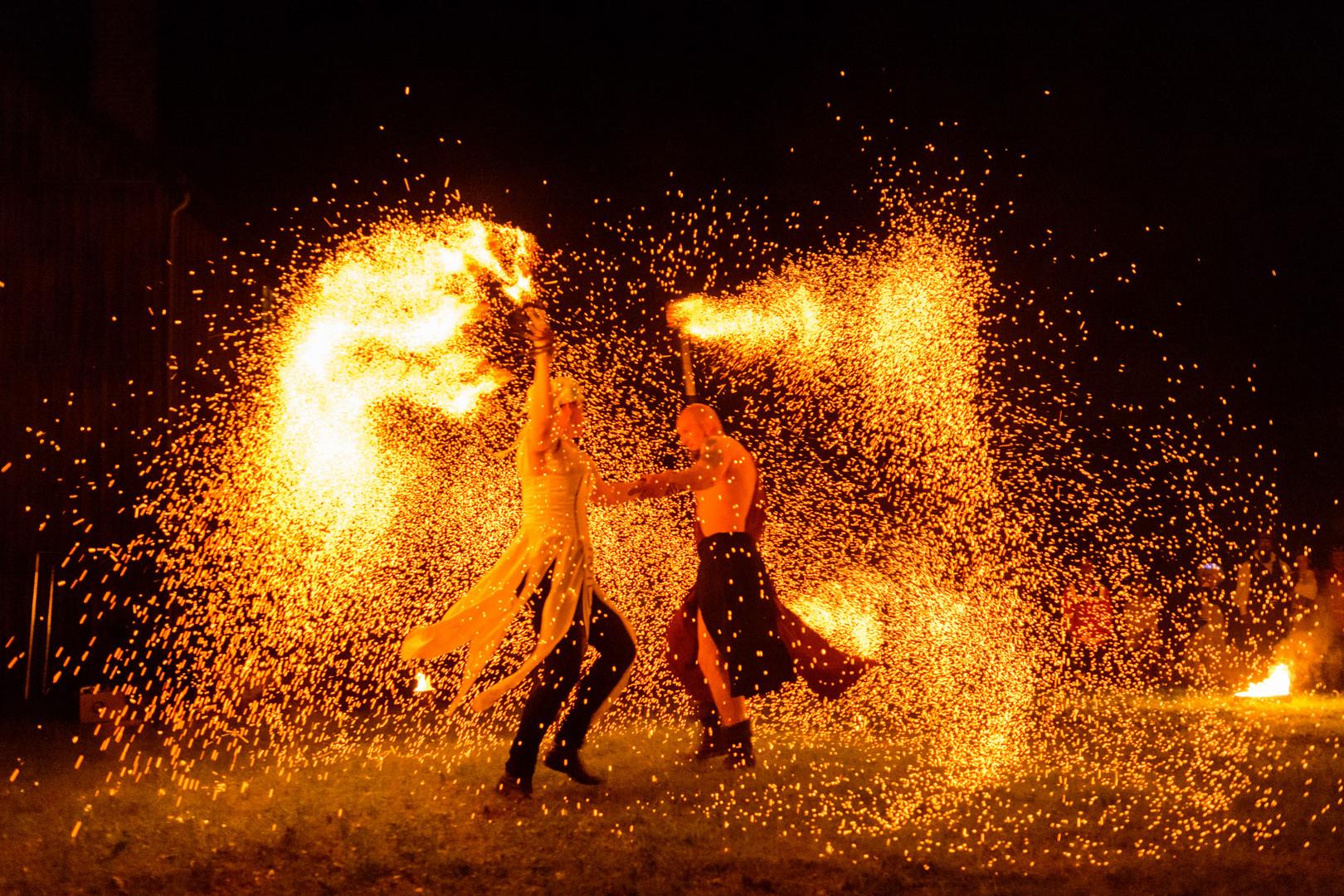 Feuertheater Chapeau Claque Rouge