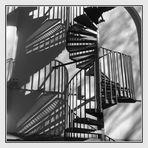 Feuertreppe mit Schatten