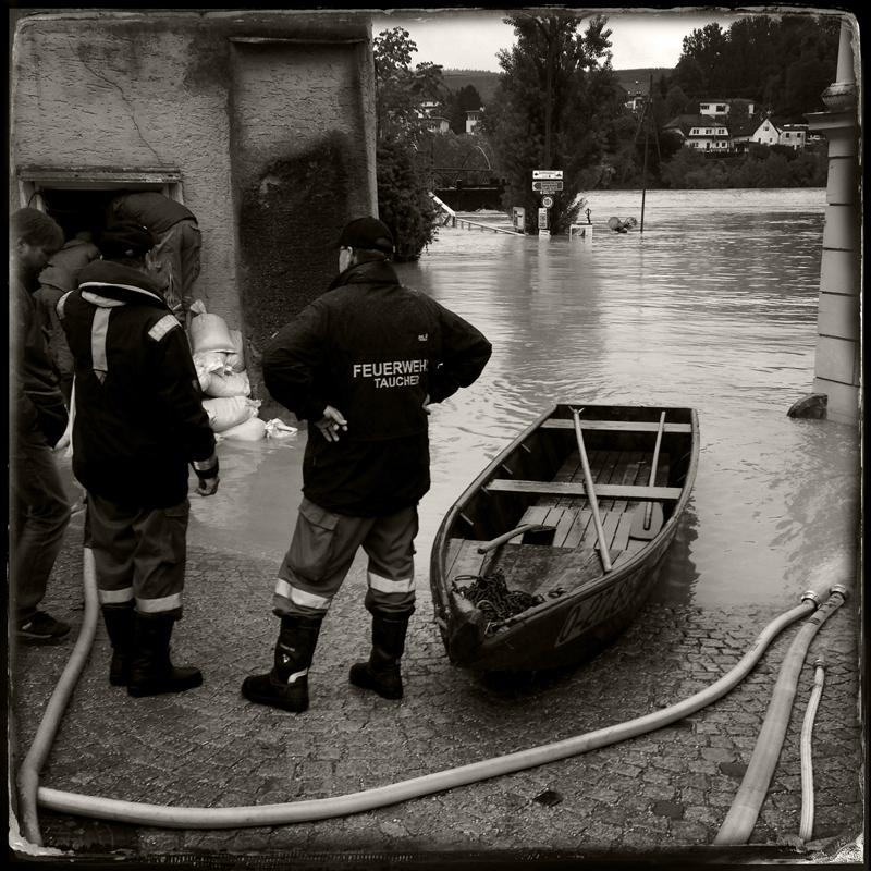 Feuerwehr und Wasserrettung.