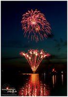 Feuerwerk am Wasser