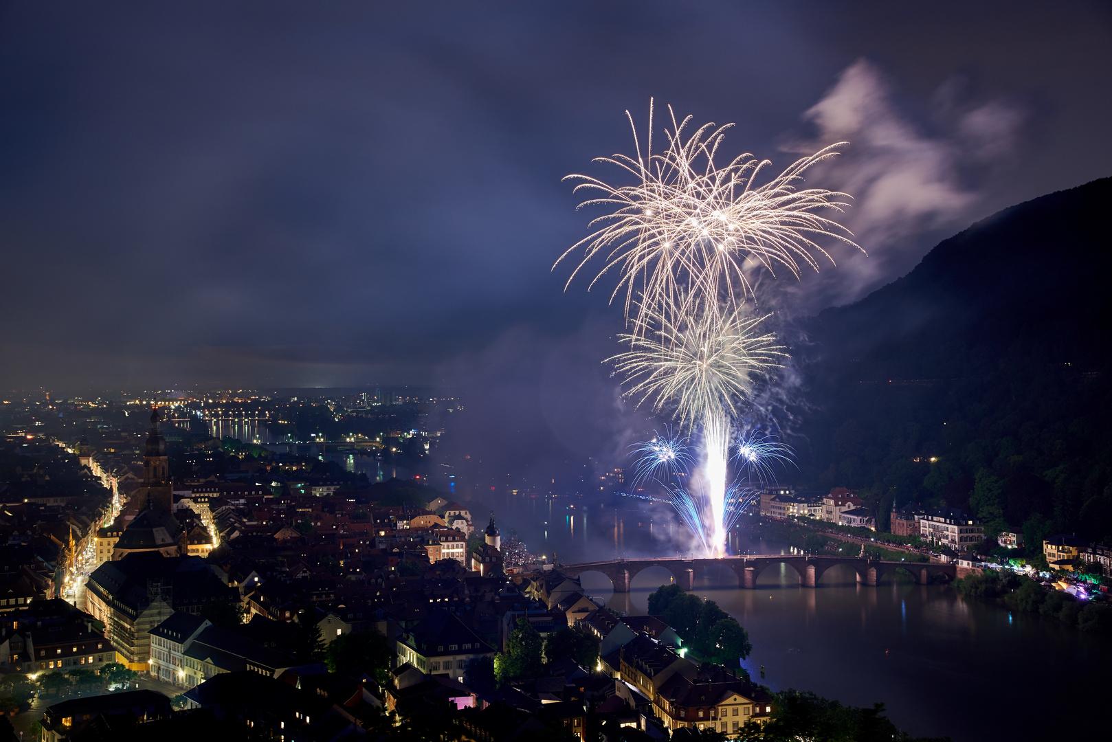 Feuerwerk auf dem Neckar