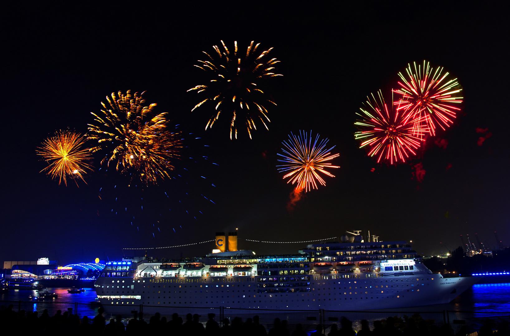 Feuerwerk Bei Hamburger Cruise Days Foto Bild Deutschland