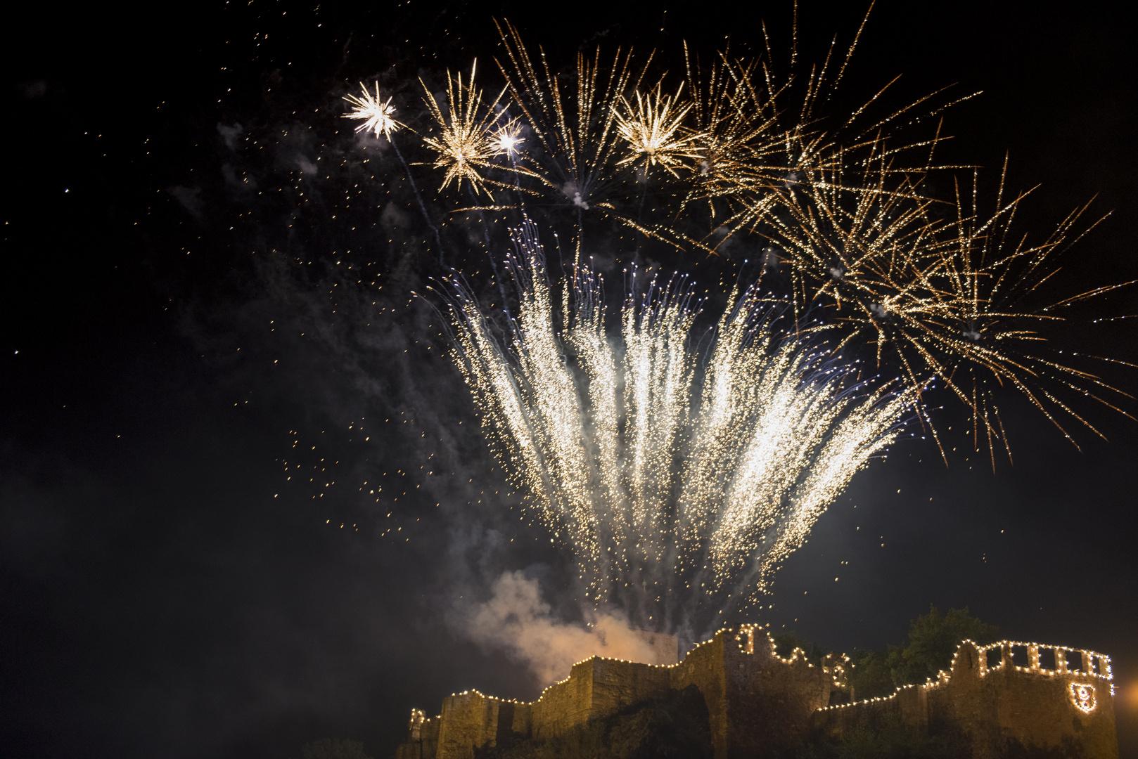 Feuerwerk-Burg Giebichenstein