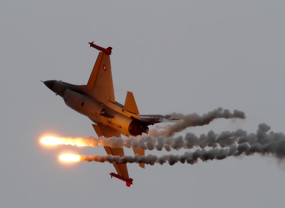 Feuerwerk mit der F-16