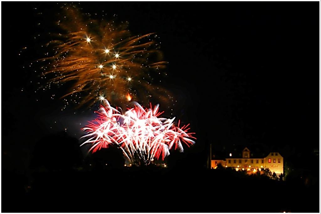Feuerwerk über der Dauner Burg