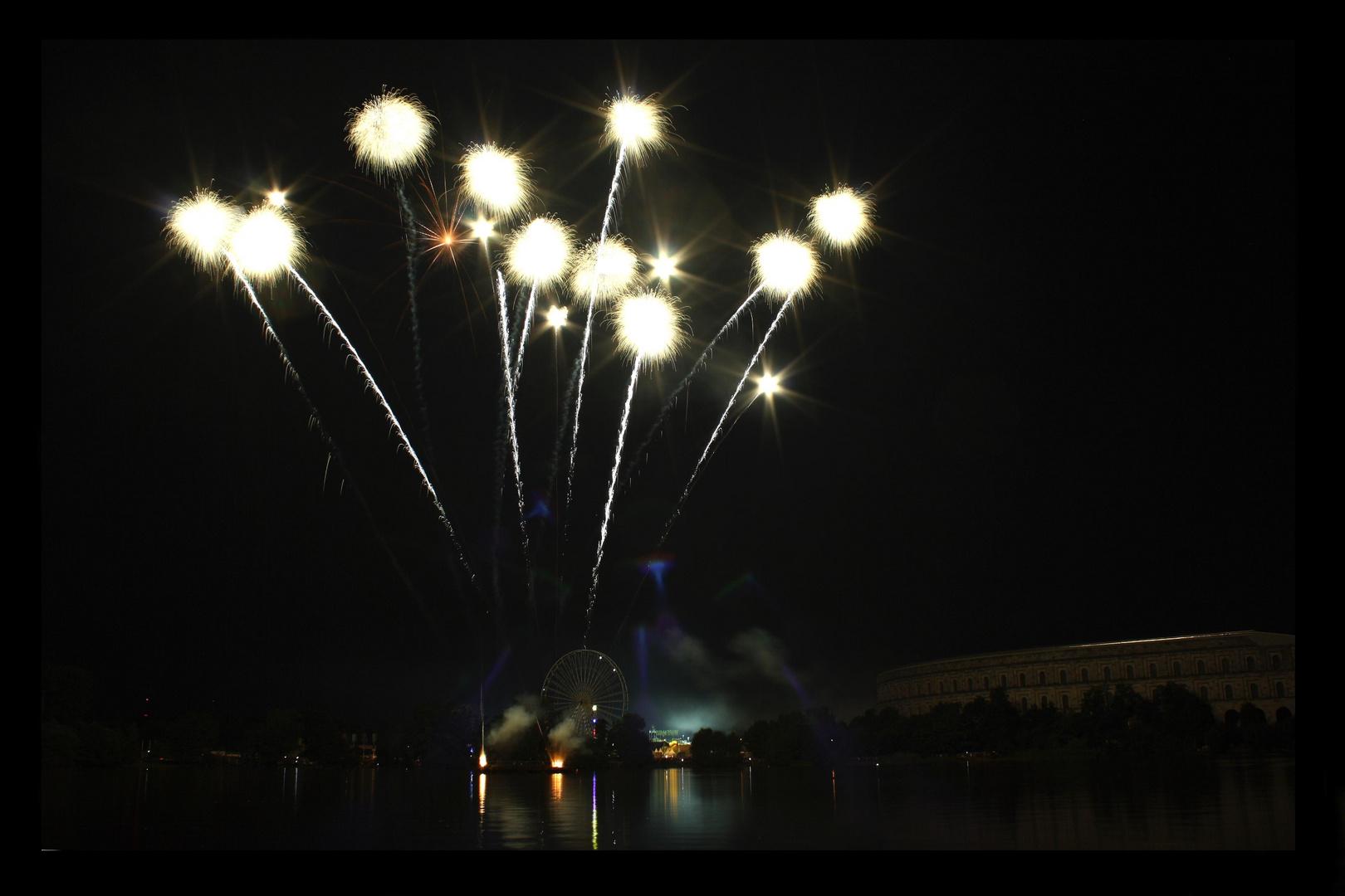 Feuerwerk über der Kongresshalle Teil 1