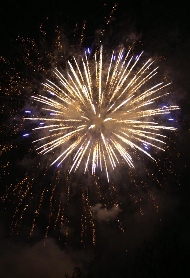 Feuerwerk..und schon wieder in der falschen Rubrik