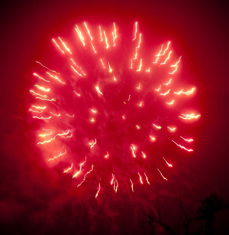 Feurige Begrüßung von 2012 und alles Gute zum Neuen Jahr!