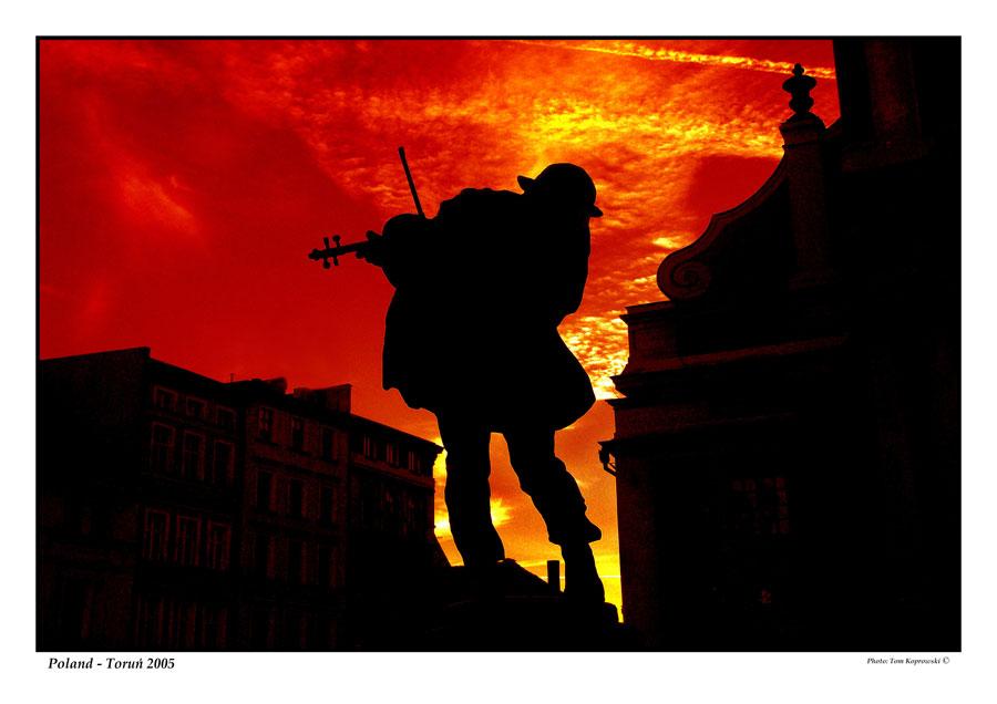 Fiddler at the sky