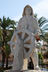 Figur am Hafen von Ibiza Stadt