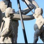 Figur F3 Grooomann (korrigiert) Denkmal Stgt Ca-20-19-col +9Fotos +News