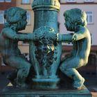 Figuren am Eisernen Steg in Frankfurt