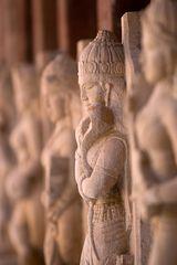 Figuren im Sachiya-Mata-Tempel