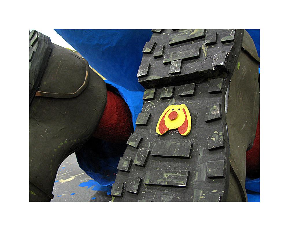 Fikki-Schuhe im Kölner Rosenmontagszug