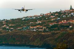final approach FNC Funchal Madeira Airport