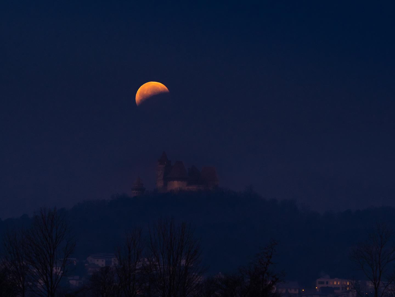 Finster wars, der Mond schien helle  Foto & Bild