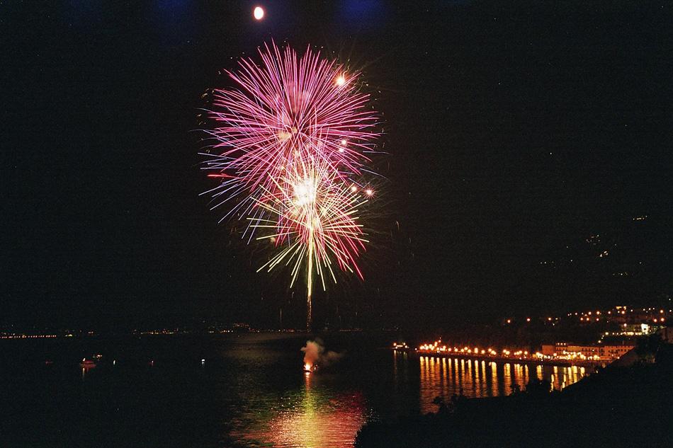 Fireworks at Lago di Garda (2)