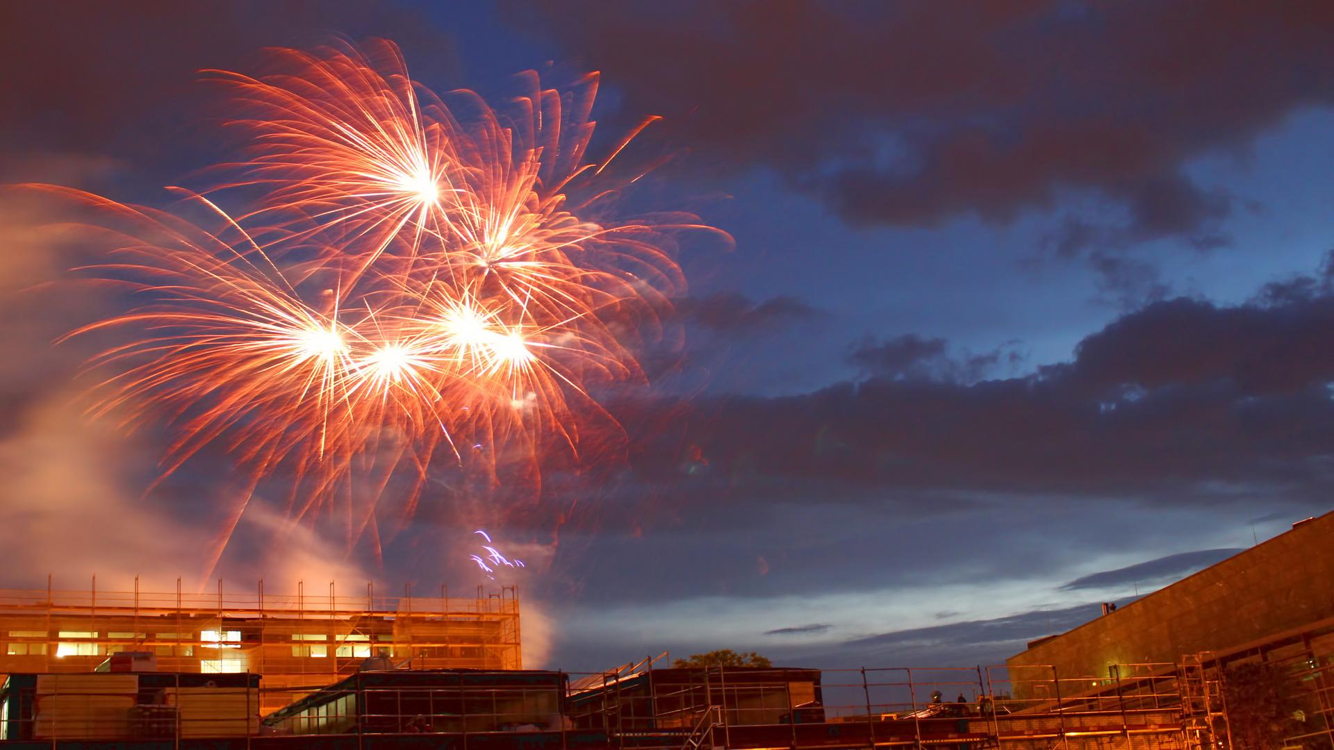 fireworks heinerfest