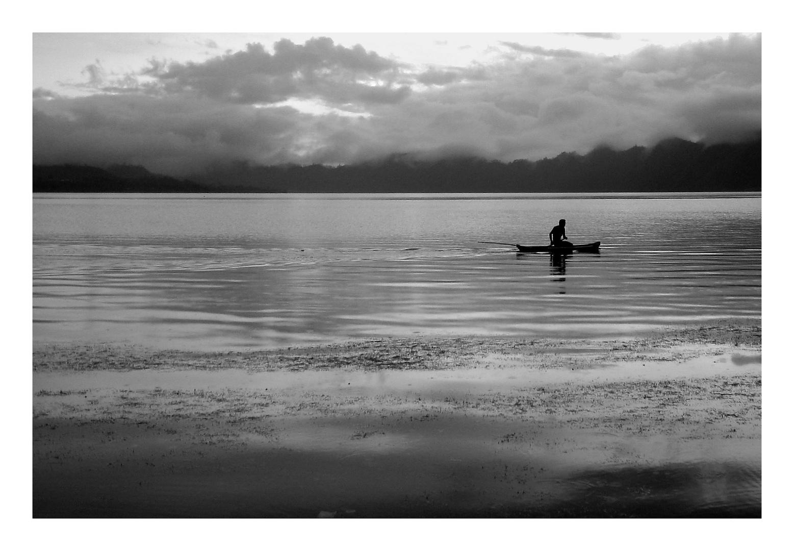 Fischer auf dem Batur Vulkansee