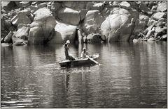 Fischer auf dem Nasserstausee, Nähe Philae-Tempel bei Assuan
