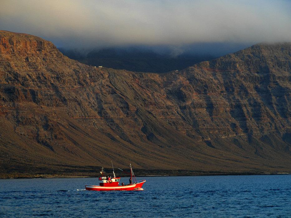 Fischerboot auf Calamares-Tour
