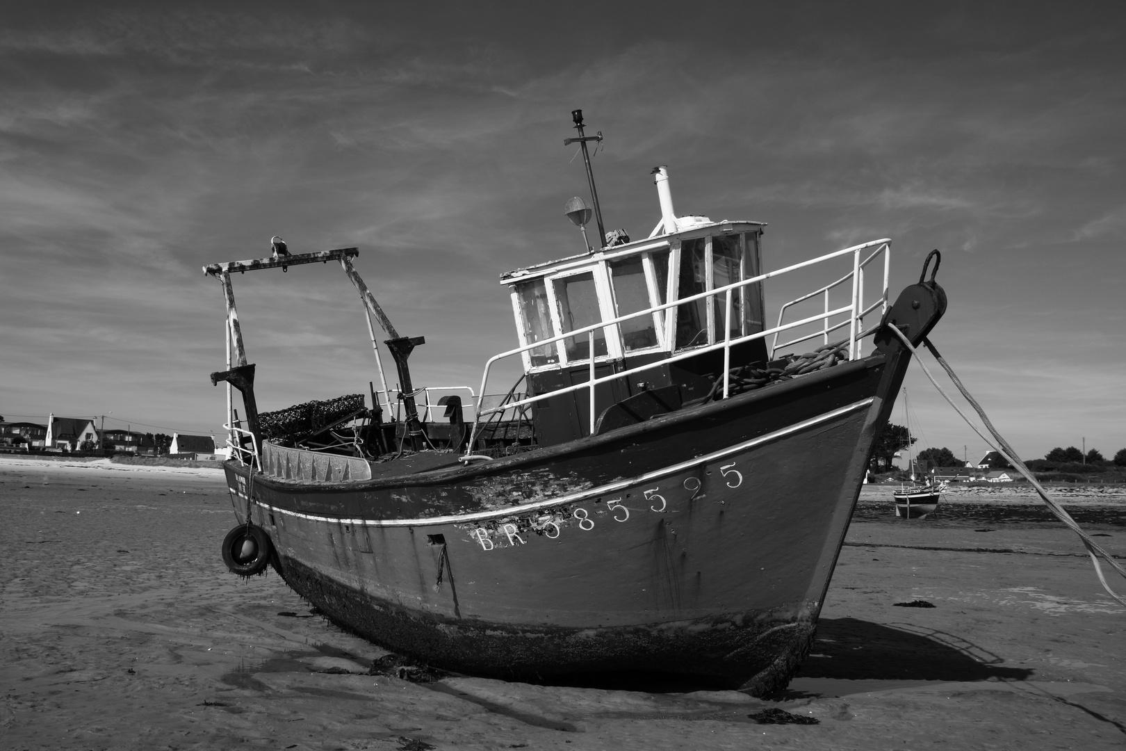 Fischerboot b/w