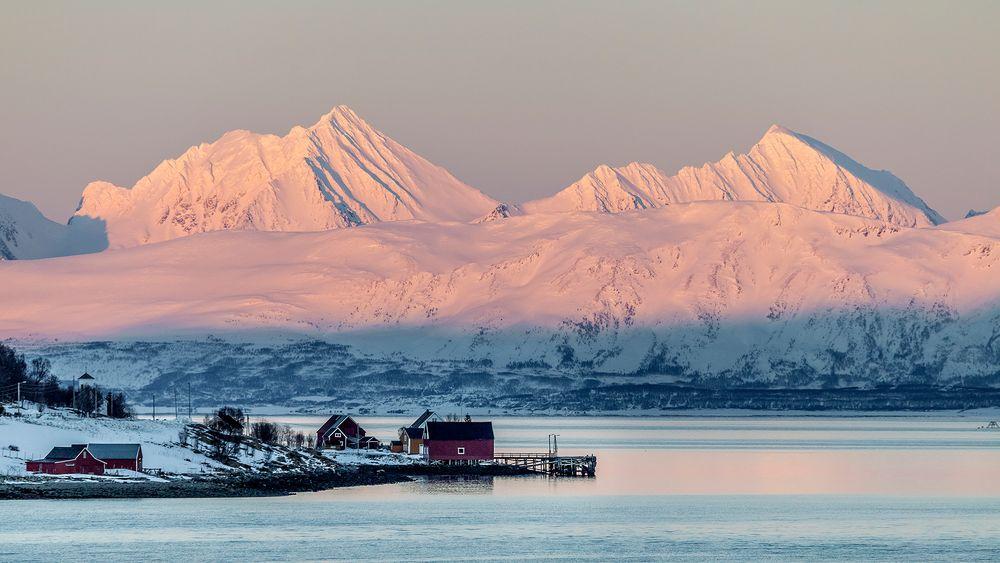 FISCHERDORF auf der Insel Reinoya/Troms (NOR)