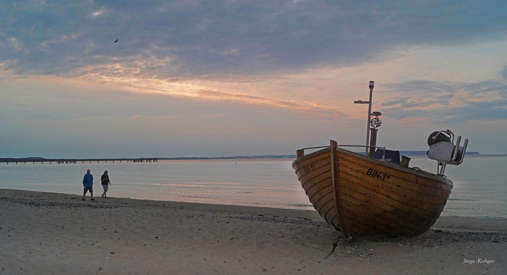 Fischkutter am Strand von Binz