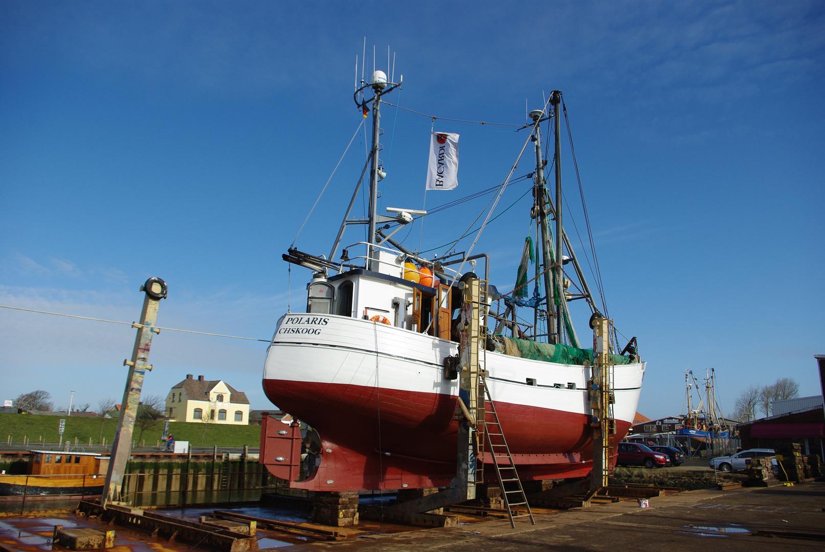 Fischkutter SD 28 Stella Polaris auf der Werft