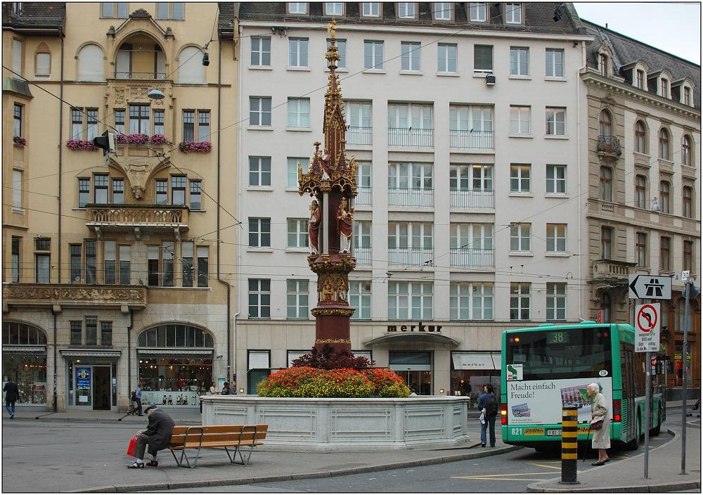 ... Fischmarktbrunnen ...