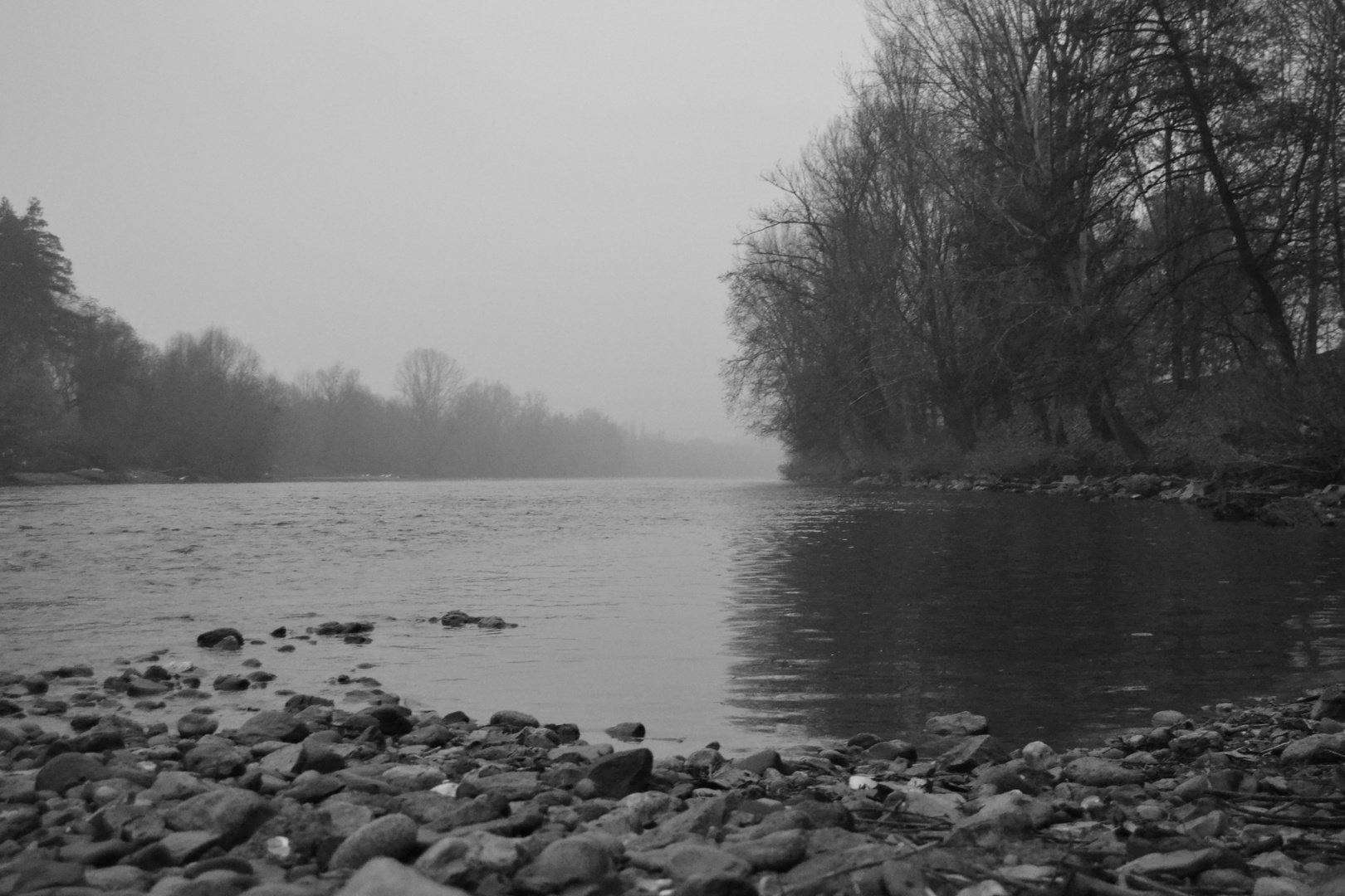 fiume (: