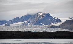 Fjord-Grundmoräne-Gletscher-Berge-Himmel