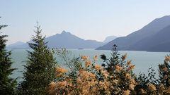 Fjordlandschaft am Hwy. 99 nördlich von Vancouver