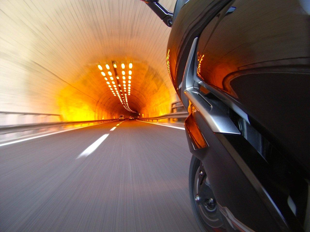 FJR Tunnel