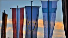 ... Flaggenparade im Abendrot ...