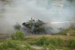 Flak - Panzer beim scharfen Schuss