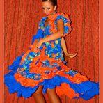Flamenco-Tänzerin, drehend, stampfend, schwingend......II