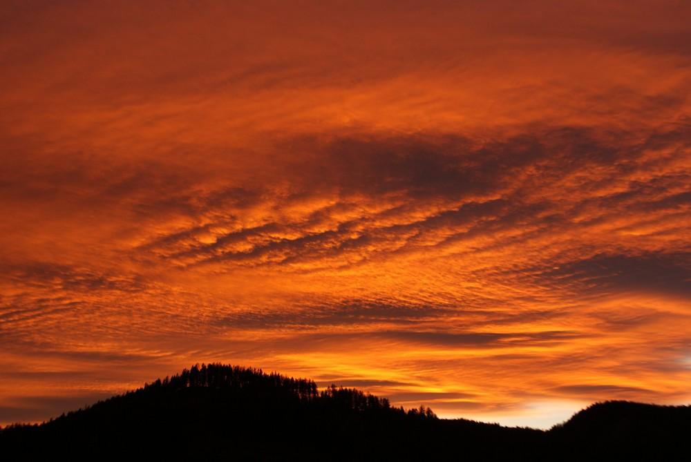 Flammender Himmel