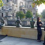 fleißige Touristen am Berliner Dom