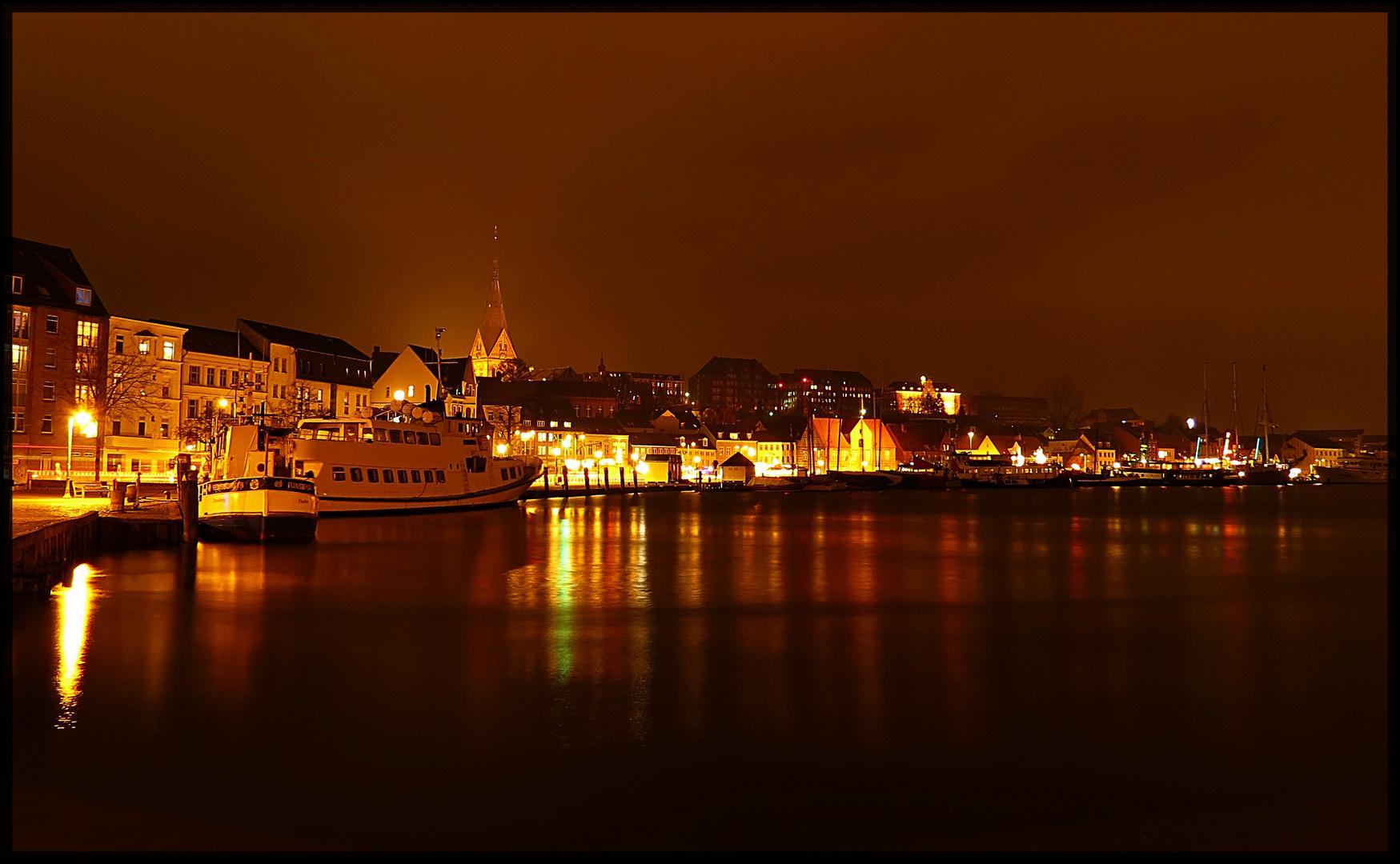 Flensburg`s Hafenspitze bei Nacht