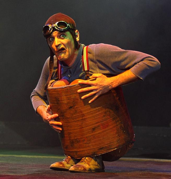 "Flic-Flac,s Komik Akrobat ""Barto"" aus Belgien. Bart van Dyck (41.J.)"