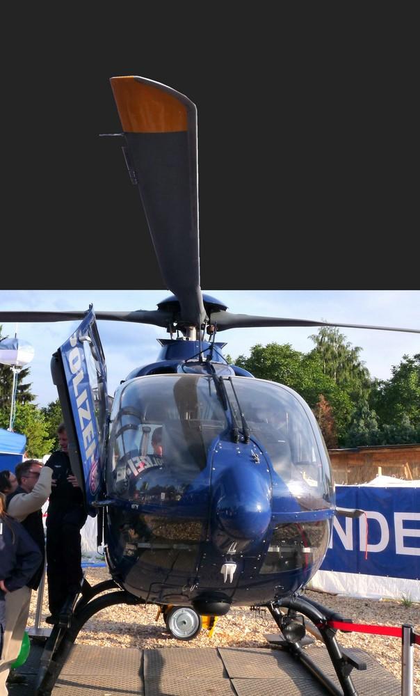 Fliegende Polizei Heli