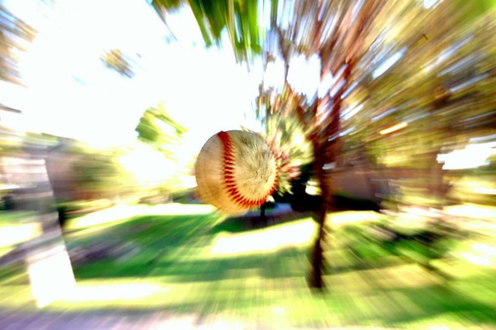fliegender Ball