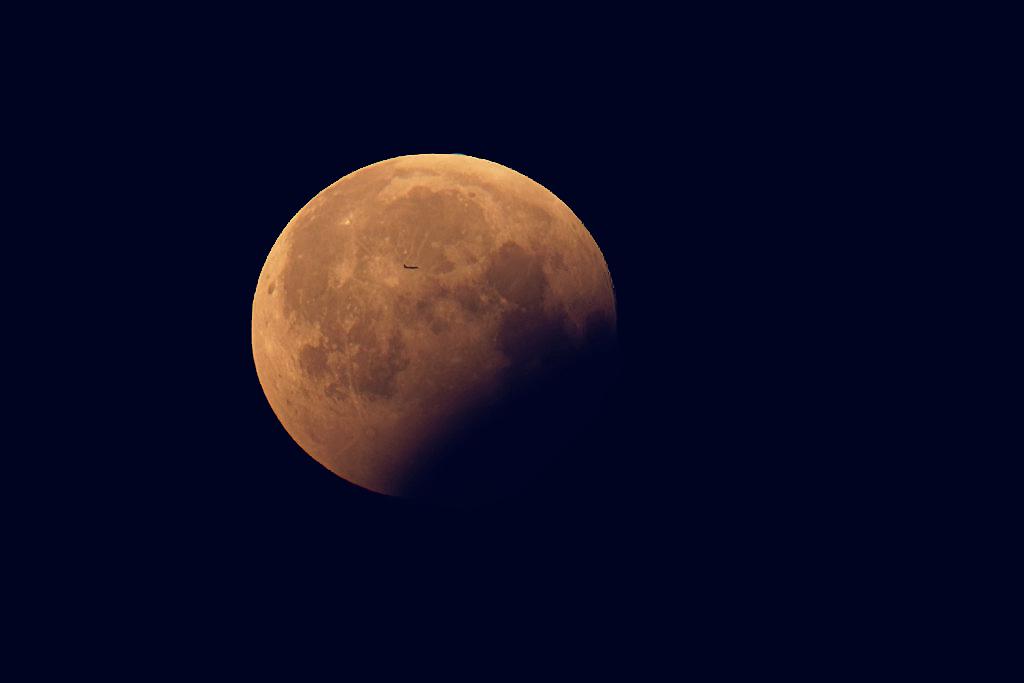Flieger, grüß mir den Mond.... Blutmond vom 21.01.2019