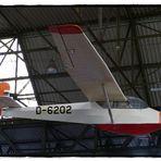 Flieger im Hangar der Eilers Werke Hannover