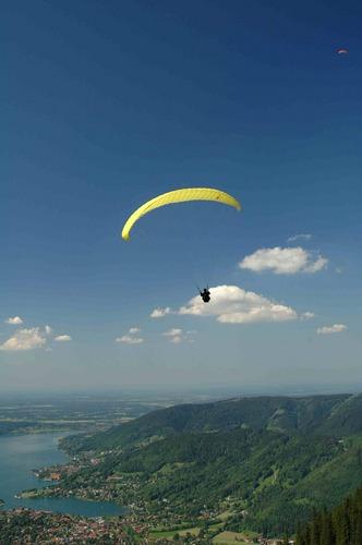 Flieger über dem Tegernsee