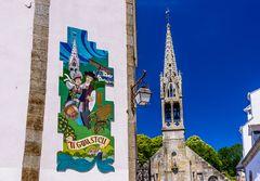 Fliesenmosaik & Kirche Saint-Joseph, Pont-Aven, Bretagne, France